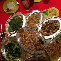 Photo taken at Restoran Muhibbah Seafood by Arie A. on 3/28/2013