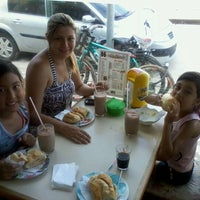 Photo taken at Padaria Esquina Pão by William Castor N. on 1/24/2013