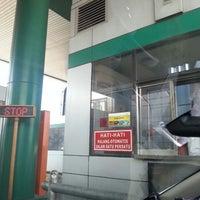 Photo taken at Jalan Tol Lingkar Luar Jakarta Seksi W1 (JORR W1) by Ferdinand T. on 3/19/2013