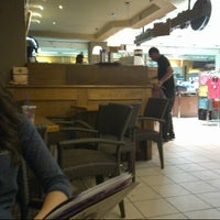 Photo taken at The Coffee Bean & Tea Leaf by Vikram M. on 10/28/2012