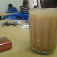 Photo taken at Yusuf Islamic Cafe by Fadzardi A. on 2/27/2013