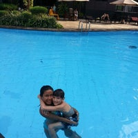 Photo taken at Swimming Pool Kristal Hotel by Hetty G. on 3/2/2013