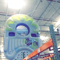 Photo taken at Costco Wholesale by ♛ßeatrice♛ on 6/22/2016
