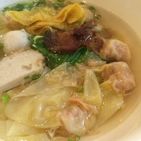 Photo taken at Li Fishball Noodle Restaurant by Noppadol S. on 2/20/2014
