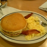 Photo taken at IHOP by 💕AmaZon💕 on 5/5/2013