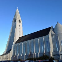 Photo taken at Church of Hallgrímur by Erina on 2/14/2013