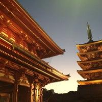 Photo taken at Senso-ji Temple by Katsumi E. on 10/13/2013