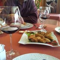 Photo taken at Restaurante El Atlantico by Alejandro R. on 4/6/2013