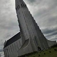 Photo taken at Church of Hallgrímur by Felipe M. on 6/7/2013