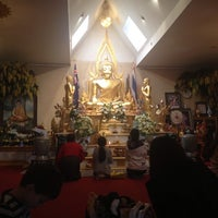 Photo taken at วัดพุทธรังษี by Mixkii Y. on 7/1/2013
