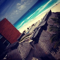 Photo taken at Avalon Grand Cancún by Кирилюк Ю. on 4/2/2013