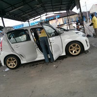 Photo taken at Sentral Car Wash by Hendrik S. on 3/23/2013