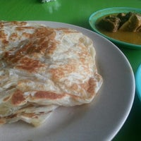 Photo taken at Roti Canai D'Bukit by Shirley T. on 10/30/2012