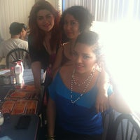Photo taken at Pizzas del Pacifico by Jenyffer A. on 9/15/2013