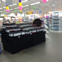 Photo taken at Supermercado Angeloni by Rossana M. on 5/28/2013