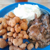 Photo taken at Golden Corral by Veronica on 2/25/2013