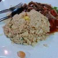 Photo taken at Irfan Tomyam Seafood by Mk I. on 2/12/2013