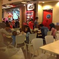 Photo taken at KFC by Haris S. on 5/31/2014