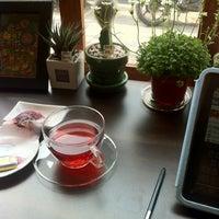 Photo taken at 맘C 좋은 아저씨가 내려주는 기분좋은 Coffee by Edda K. on 3/18/2013