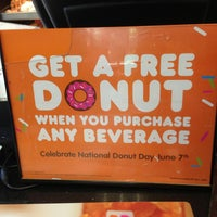 Photo taken at Dunkin' Donuts by Rey S. on 6/5/2013