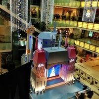 Photo taken at 大悦城 Joy City by Robin Z. on 12/24/2012