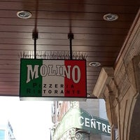 Photo taken at Pizzeria Molino Molard by Turki A. on 8/4/2013