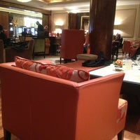 Photo taken at Jumeirah Lowndes Hotel by Ali on 3/12/2013