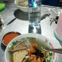 Photo taken at Bakso Jagalan 87 by erwin s. on 7/13/2015