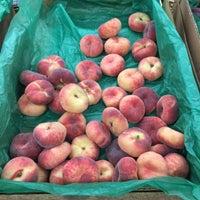 Photo taken at Auntie El's Farm Market by Gabriel H. on 8/16/2015