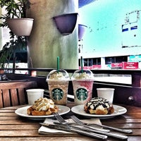 Photo taken at Starbucks Coffee by 🇯 🇮 🇲  📱 G. on 11/13/2012