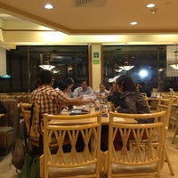 Photo taken at Vips by Hamal L. on 3/9/2013