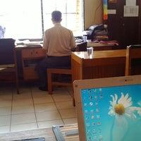 Photo taken at Dinas Pendidikan Provinsi Kalimantan Tengah by Aprie U. on 3/18/2013