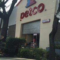 Foto tomada en Petco por Hugo S. el 3/29/2014