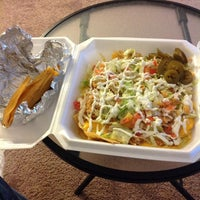 Photo taken at El Oasis Taco Truck by Kevin L. on 5/18/2014