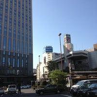 Photo taken at 横浜駅西口 バスターミナル by Akio M. on 4/13/2013