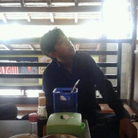 Photo taken at Mie Ayam KQ5 by Dasril D. on 3/27/2013