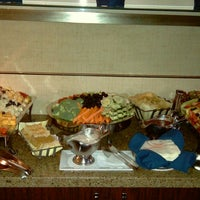 Photo taken at Club Lounge @ The Sheraton Park by Roy H. on 12/8/2013