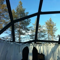 Photo taken at Glass Igloo cabin 18 by Elaine Y. on 4/3/2012