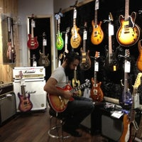 Photo taken at Guitar Center by Lynnwood K. on 8/31/2012