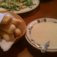 Photo taken at Olive Garden by Joshua H. on 11/27/2011