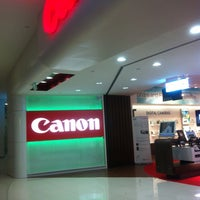 Photo taken at Canon LiNK by Shaf R. on 2/27/2012