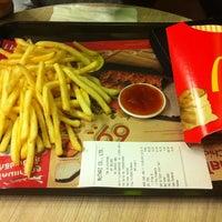 Photo taken at McDonald's & McCafé by Surakit S. on 5/31/2012