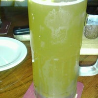 Photo taken at Outback Steakhouse by Juan R. on 5/19/2012