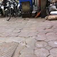 Photo taken at Chè Nhật Minh by YenCoi on 3/13/2012