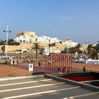 Photo taken at Mandarina by Albert H. on 8/10/2012