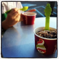 Photo taken at Menchies Frozen Yogurt by Dan S. on 3/16/2012