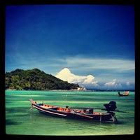 Photo taken at Malibu Beach Bungalows Koh Phangan by  Vasit B. on 6/22/2012