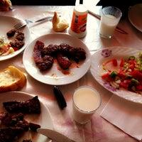 Photo taken at Bosna Et Lokantası by Eliff ❤️ Ayhann on 6/28/2013