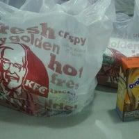 Photo taken at KFC by Lya M. on 6/5/2016