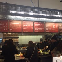 Photo taken at Chipotle Mexican Grill by Evelyn Y. on 12/15/2013